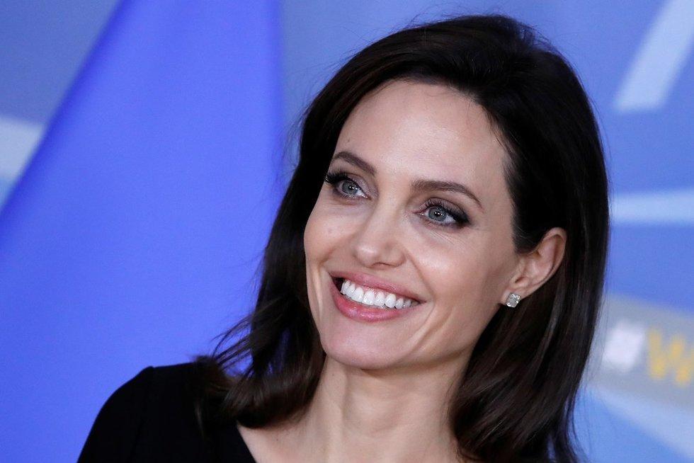 A. Jolie