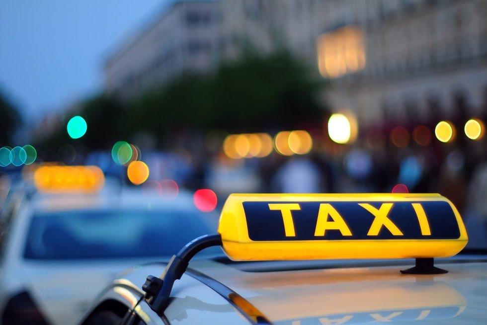 Taksi (nuotr. 123rf.com)
