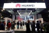 """Trumpas pasiduoda? JAV švelnina sankcijas """"Huawei"""""""