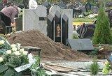 Neregėto įžūlumo nusikaltimas kapinėse: atkastas ir išniekintas jauno kapas