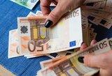 Sausį didės atlyginimai ir senatvės pensijos
