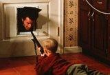 """Medikas prabilo: ką realybėje sukeltų vagišių kankinimai filme """"Vienas namuose"""""""
