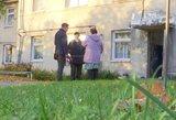 Klaipėdoje kaimynai nesusitaria: gyvena skylančiame name, bet neparduoda butų