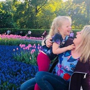 """Neįgalią dukrą auginanti mama: """"Svarbiausia – gydyti savo vidinį vaiką"""""""
