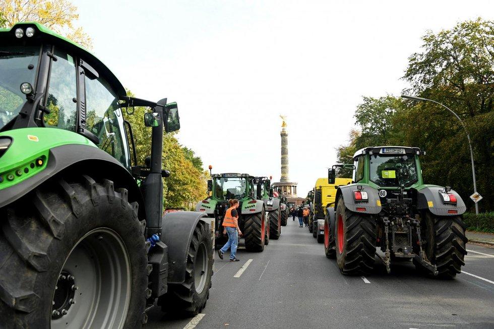 Berlyne ūkininkai protestuodami blokavo gatves