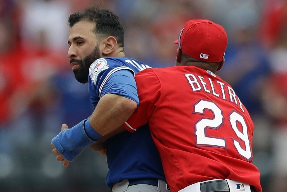 To beisbole nepamatysi: smūgis kumščiu į veidą ir masinės muštynės (nuotr. SCANPIX)