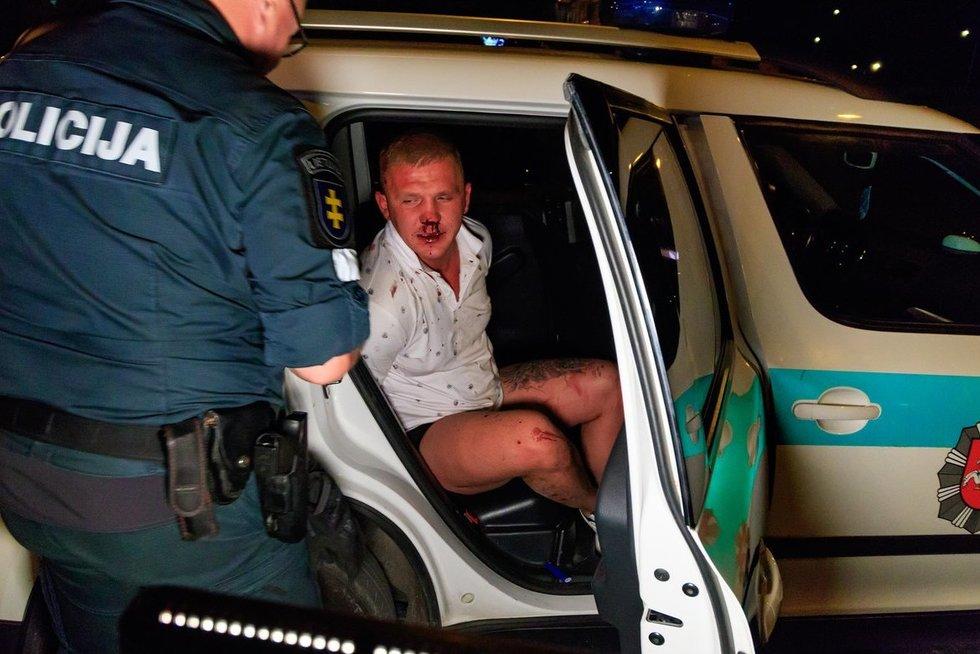 """Kruvinas incidentas prie """"Forum Palace"""" įvyko apie 2 val. nakties. (nuotr. Broniaus Jablonsko)"""