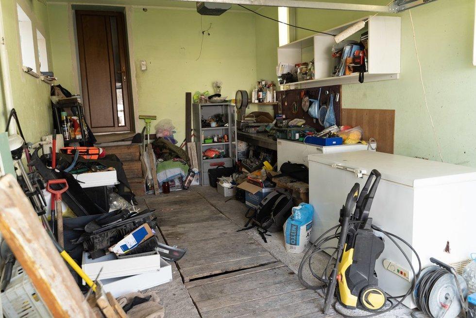 Neįtikėtina garažo transformacija į tvarkingas žvejo dirbtuves
