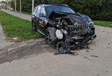 """Vilniuje užsižiopsojęs """"CityBee"""" vairuotojas sudaužė du automobilius"""