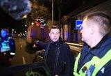 Girtas vairuotojas dėl avarijos apkaltino naktinius remontininkus