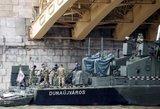 Virš 20 gyvybių nusinešusį laivą iškelė iš Dunojaus dugno