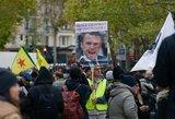 """Prancūzijoje per """"geltonųjų liemenių"""" judėjimo metinių protestus suimti 254 žmonės"""