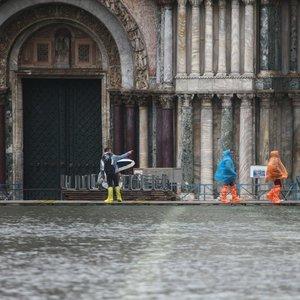 Venecija ir toliau skęsta: paskelbta nepaprastoji padėtis