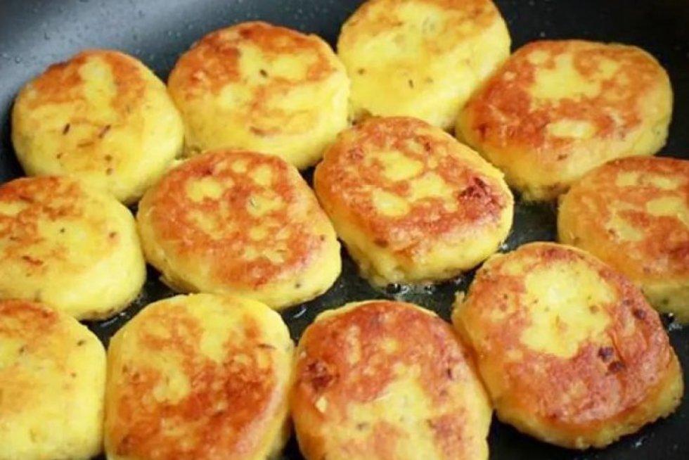 Bulviniai pyragėliai (worldrecipes nuotr.)