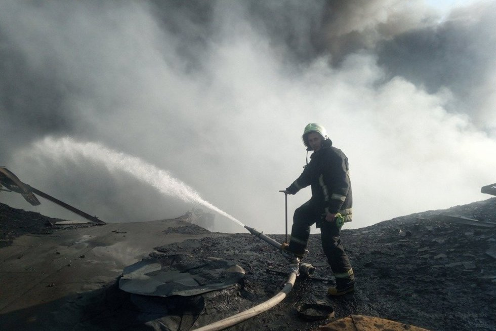 Ugniagesys gaisrą Alytuje palygino su Černobyliu: vaizdai gniaužia kvapą (nuotr. asm. archyvo)