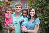 Šeima šokiruota: baltaodžiams gimė 3 išskirtinio gymio vaikai