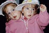 Siamo dvynukėms šiandien – jau 27-eri: merginos akimirksniu sužavės