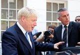 Nesutapo politinės pažiūros: atsistatydino JK iždo kancleris