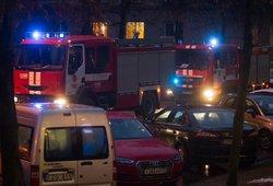 Gaisras Vilniaus raj. – atvira liepsna dega pastato stogas
