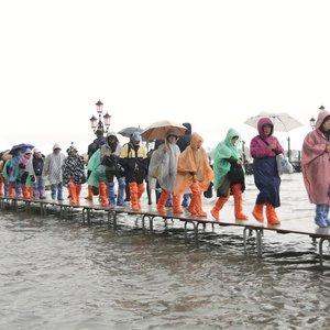 Potvynio Venecijoje padaryta žala jau siekia šimtus milijonų eurų