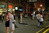 Buenos Airių gatvės virto aistringa šokių aikštele – tūkstančiai porų sukosi tango ritmu