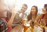 Tyrimas: Lietuvą į daugiausiai geriančių šalių lyderes iškėlė turistai ir emigrantai