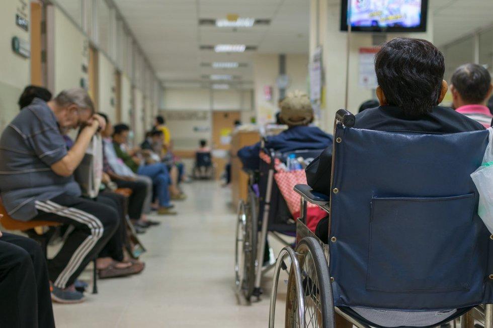 Pacientų eilės (nuotr. 123rf.com)