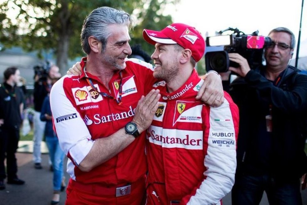Maurizio Arrivabene ir Sebastianas Vettelis (nuotr. SCANPIX)