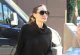 Skelbiama šokiruojanti žinia: A. Jolie sveria vos 35 kilogramus