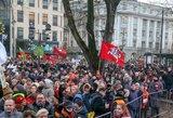 Streikavę mokytojai neatlyžta ir reikalauja didinti algas