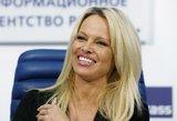 Pamela Anderson sukėlė sumaištį  Prancūzijos parlamente