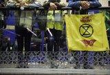 """Klimato aktyvistai Paryžiuje pradėjo judėjimo """"Extinction Rebellion"""" protestus"""