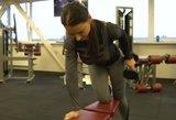 Asmeninė trenerė parodė paprastus ir veiksmingus pratimus, padėsiančius sulieknėti
