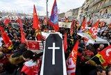 Masinis streikas apėmė Prancūziją: artimiausios dienos Macronui taps rimtu išbandymu