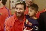 L. Messi marškinėlius iš šiukšlių maišo pasigaminęs berniukas susitiko su savo herojumi