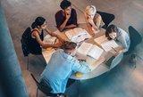 Siūlo dar platesnę švietimo reformą: jaunimas darbuotis pradėtų anksčiau