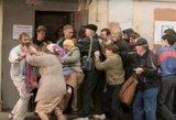 """Maistas sovietmečiu: kotletai iš batono ir torto """"Jaunystė"""" žavesys"""