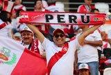 Neįtikėtina: Peru futbolo sirgaliai specialiai tapo neįgaliais, kad pamatytų savo dievaičius