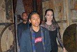 Motinos dieną Angelina Jolie leido su sūnumi: atrodė pavargus