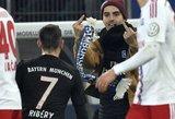 Sirgaliaus išpuolis  prieš Francką Ribery: šaliku per veidą ir nepadorūs gestai