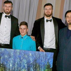 Tūkstantis eurų už jauno kūrėjo paveikslą – ir talento įvertinimas, ir pagarba jam