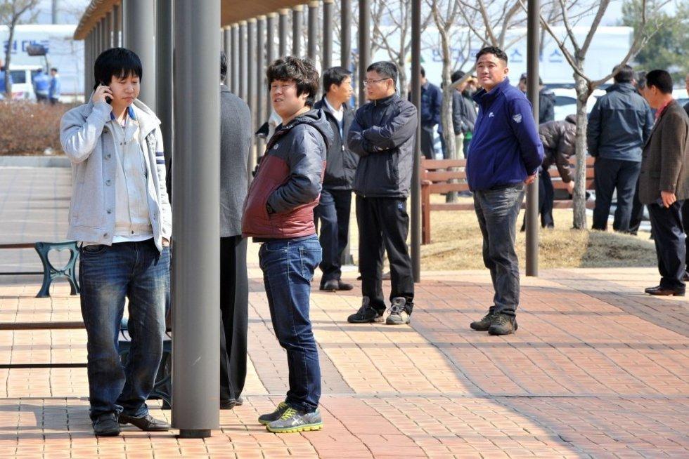 Pietų Korėja apriboja drakoniškas darbo valandas: sumažino nuo 68 iki 52 valandų per savaitę (nuotr. SCANPIX)