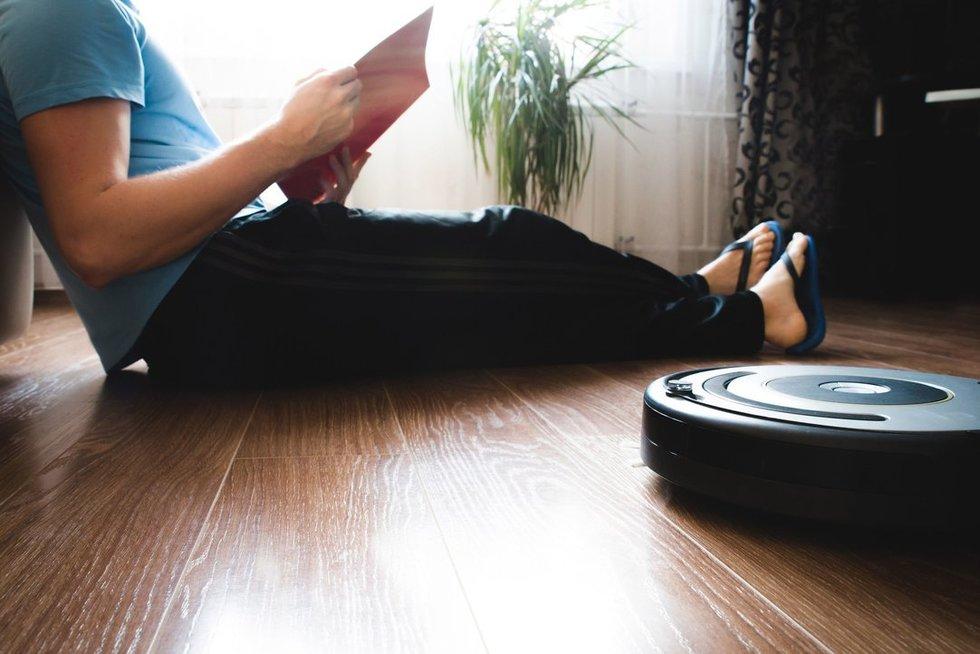 Robotai namuose (nuotr. 123rf.com)