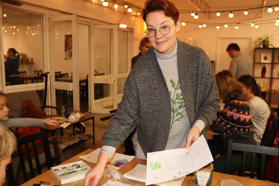 """""""All invited"""" administruoja ir kūrybinėms dirbtuvėms vadovauja Rūta Udraitė-Mikalauskienė. Sigitos Inčiūrienės nuotr."""