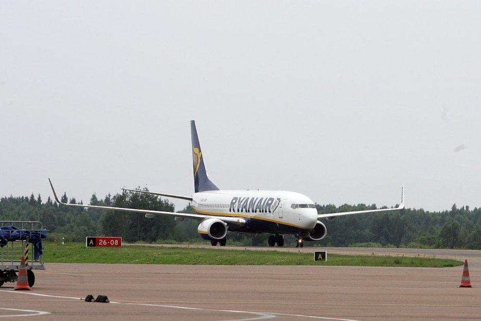 """""""Ryanair"""" lėktuvas (nuotr. Fotodiena/Aliaus Koroliovo)"""