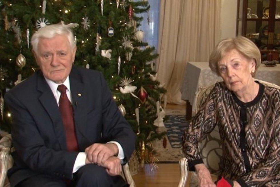 Prezidento Valdo Adamkaus ir ponios Almos sveikinimą šv. Kalėdų proga (nuotr. YouTube)