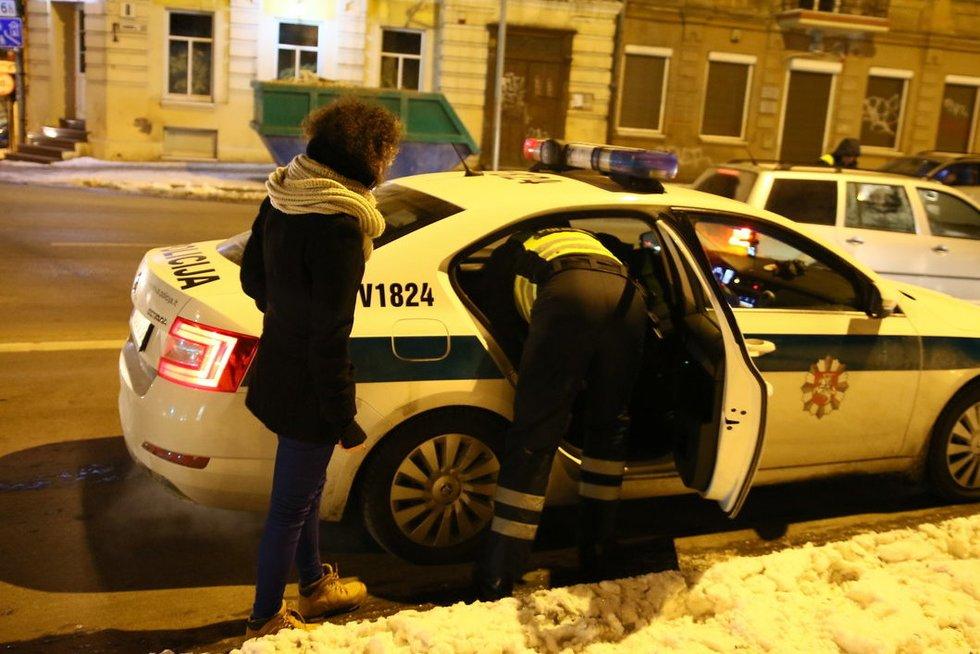 Ir per didžiausią speigą policija Vilniuje tikrino automobilius nuotr. Broniaus Jablonsko