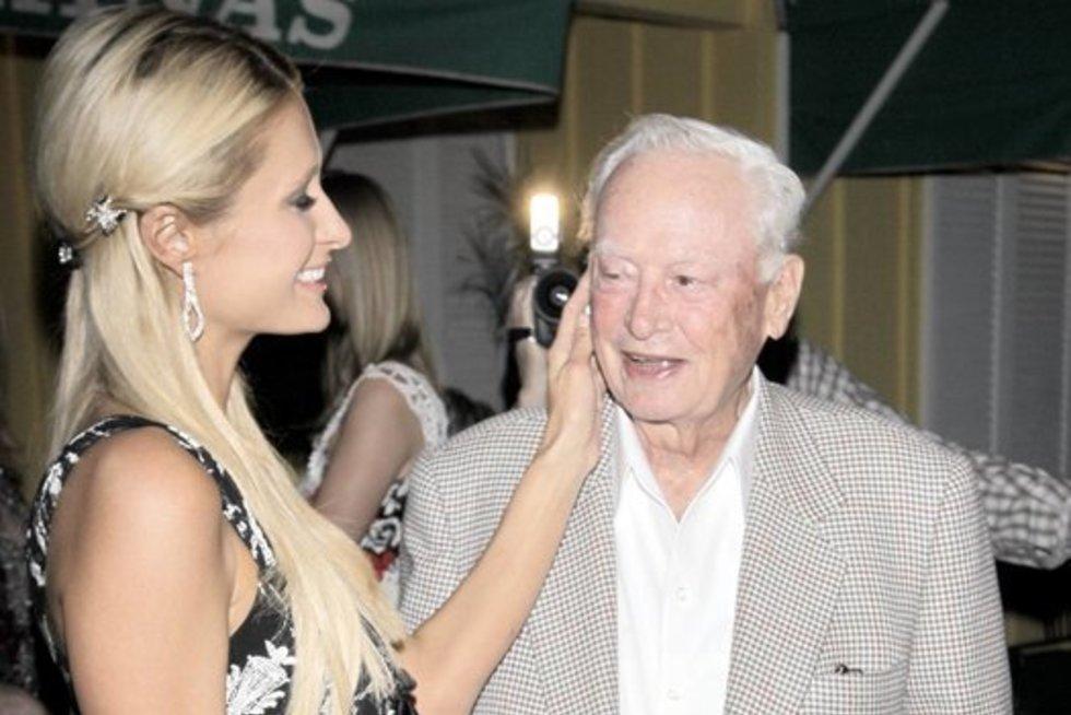 Paris Hilton su seneliu  Barro Hilton (nuotr. SCANPIX)