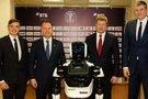 K. Maksvyčio klubas įdarbino robotą (nuotr. Organizatorių)