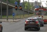 Išjuokė ketinimą Lietuvoje apmokestinti automobilius ir NT